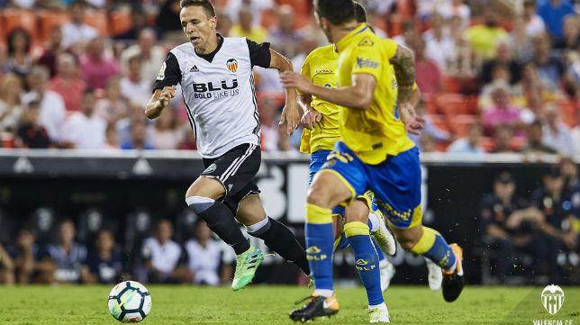 Nemanja Maksimovic, en un partido del Valencia (VCF)