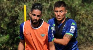 Boudebouz y Narváez, en Montecastillo (foto: Paco Martín)