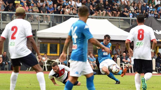 Fabián, marcando su primer gol con el Nápoles (foto: @sscnapoli)