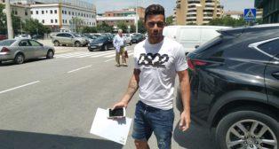 Rubén Castro, a su salida del Villamarín este viernes (Foto. P. G.)