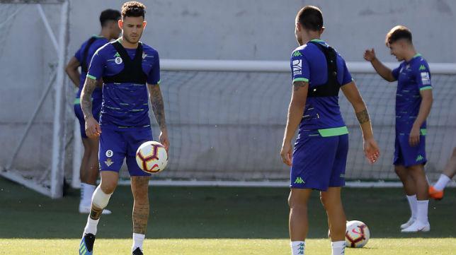 Sanabria y Narváez, en un entrenamiento del Betis (Raúl Doblado)