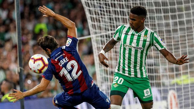 Junior, en el Betis-Levante (foto: EFE/Pepo Herrera)