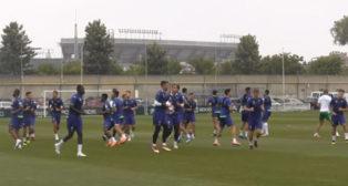 William Carvalho, con sus compañeros en el entrenamiento de hoy