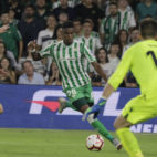 Junior, en un lance del Betis-Levante (Foto: Raúl Doblado/ABC)