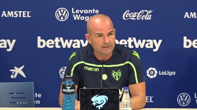 Paco López, técnico del Levante, durante la rueda de prensa previa al encuentro ante el Betis (LUD)