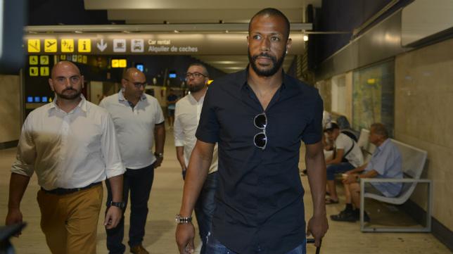 Sidnei, a su llegada este miércoles al aeropuerto de San Pablo
