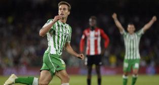 Canales celebra el 2-2 ante el Athletic (Foto: AFP).