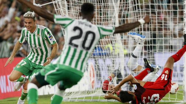 Joaquín celebra el gol anotado en el derbi (Foto: EFE)