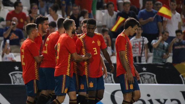 Junior felicita a Borja Mayoral tras su gol