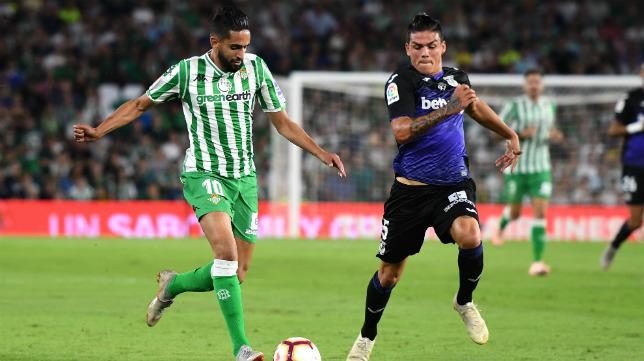Ryad Boudebouz, en un lance del Betis-Leganés disputado este domingo (Foto: Juan José Úbeda)