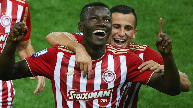 Los jugadores del Olympiacos celebran un gol anotado ante el Asteras Tripoli (Foto: @olympiacos_org)