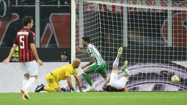 Sanabria tras marcar su gol ante el Milan (AFP)
