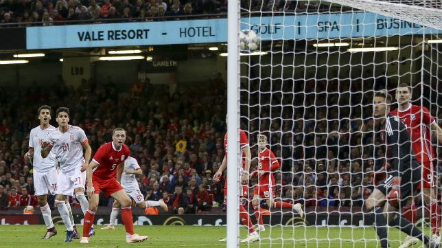 Bartra marca ante Gales (EFE)