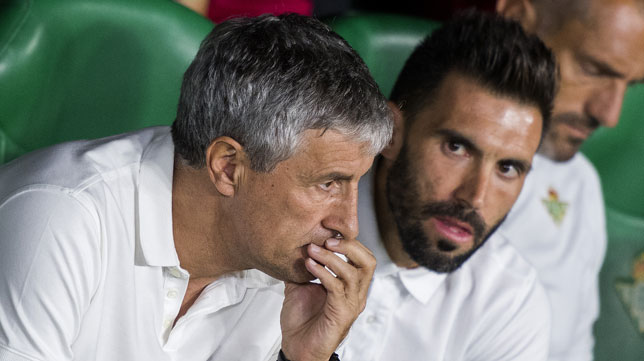 Setién y Eder Sarabia, en el Betis-Leganés (Juan José Úbeda)