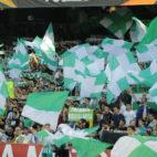 La afición del Betis, en el partido con el Dudelange (Juan Manuel Serrano)