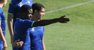 William Carvalho y Mandi, en un entrenamiento del Betis (Juan José Úbeda)