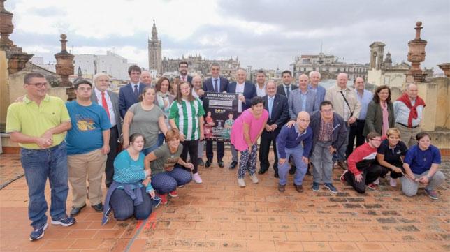 Rafael Gordillo representó al Betis en el acto presentado hoy en el Ayuntamiento de Sevilla (Foto: Ayto. Sevilla)