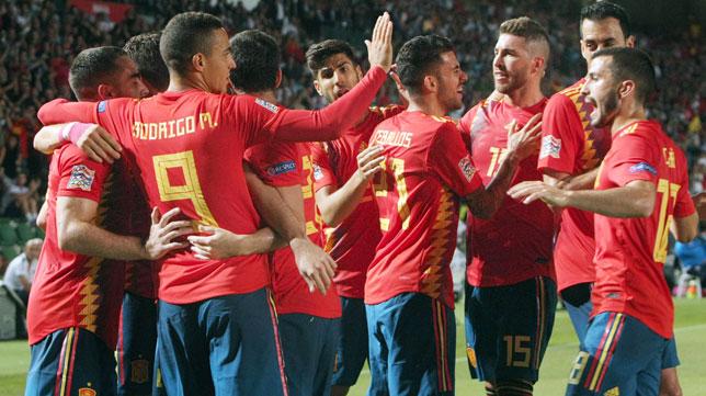 Los jugadores de España celebran un gol ante Croacia en el último partido oficial (Foto: EFE).