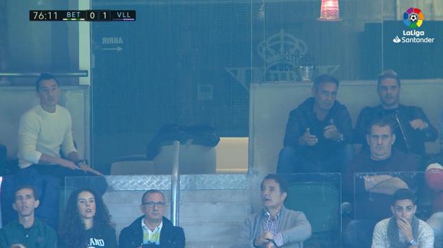 Joaquín y Guardado, viendo el Betis-Valladolid en un palco