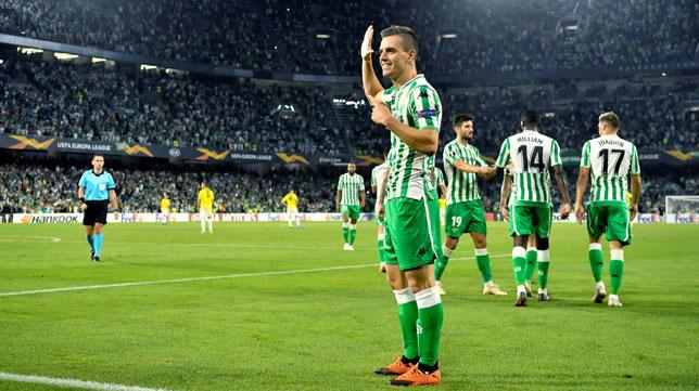 Lo Celso celebra su gol en el Betis-Dudelange