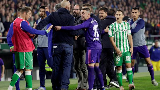 Joaquín, Aspas y Guardado, durante el Betis-Celta (EFE)