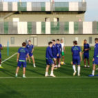 Setién, junto a sus hombres durante la sesión de este martes en la ciudad deportiva (Foto: @JuanArbide)