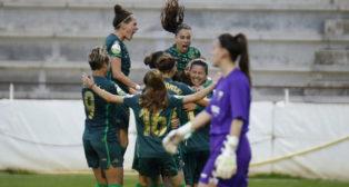 Celebración de uno de los goles del Betis Féminas al Fundación Albacete (Foto: LaLiga)