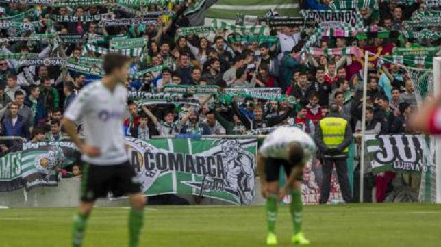 Aspecto de una de las gradas de El Sardinero durante un partido del Racing (Foto: El Diario Montañés)