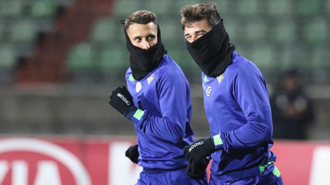 Tello y Barragán, durante el entrenamiento en Luxemburgo (Foto: Real Betis).