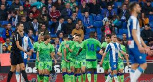 Sidnei, Canales, Bartra, Loren, Lo Celso, William Carvalho, Mandi, en el Espanyol-Betis (LaLiga)