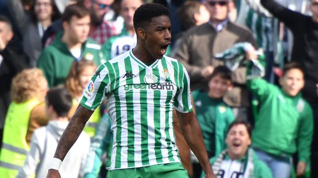 Junior celebra el gol que le marcó a la Real Sociedad (Foto: J. J. Úbeda/ABC)