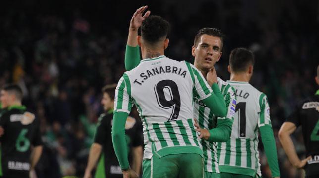 Sanabria y Lo Celso, en el Betis-Racing de Santander (Raúl Doblado)
