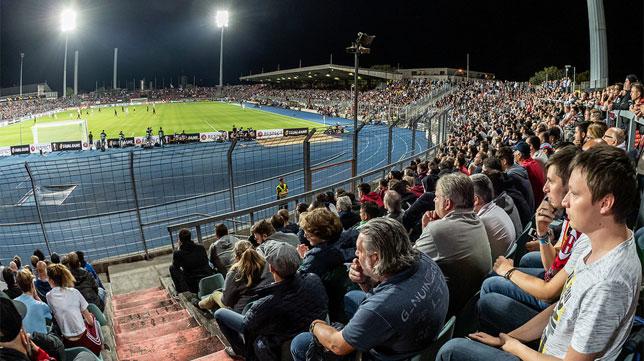 Panorámica del Stade Josy Barthel de Luxemburgo en el Dudelange-Milan