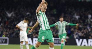 Canales celebra su gol en el Betis-Real Madrid (J. M. Serrano)