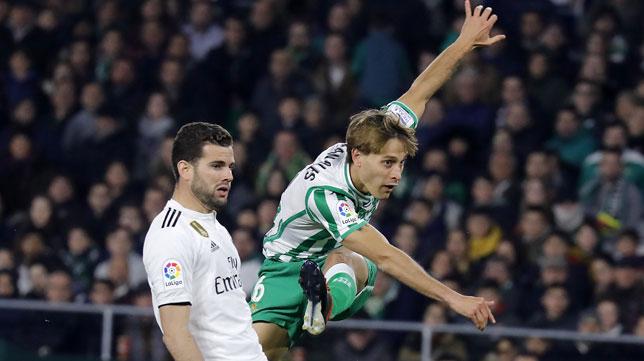 Canales, en un lance del Betis-Real Madrid (J. M. Serrano)