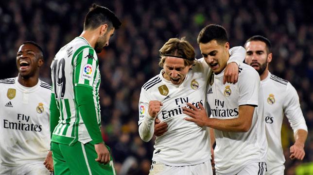 Modric celebra su gol en el Betis-Real Madrid (AFP)