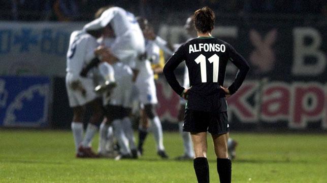 El bético Alfonso, en el Auxerre-Betis de 2002