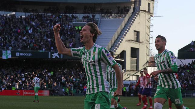 Canales celebra su gol ante el Atlético (Raúl Doblado)
