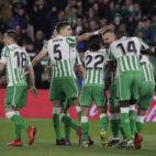 Guardado, Bartra, Canales, Lainez, Jesé y William Carvalho, en el Betis-Alavés (Raúl Doblado)