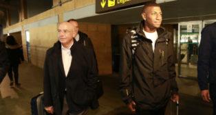 Emerson y Serra Ferrer, en el aeropuerto de San Pablo (Foto: Vanessa Gómez)