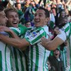 Sergio León, Canales, Guardado y Joaquín, en el Betis-Atlético (Raúl Doblado)
