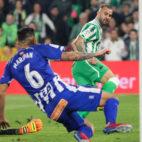Jesé, tras driblar a Pacheco, disparó a gol, pero Maripán lo evitó bajo palos (Foto: EP)