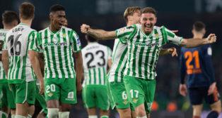 Joaquín celebra su gol en el Betis-Valencia (AFP)