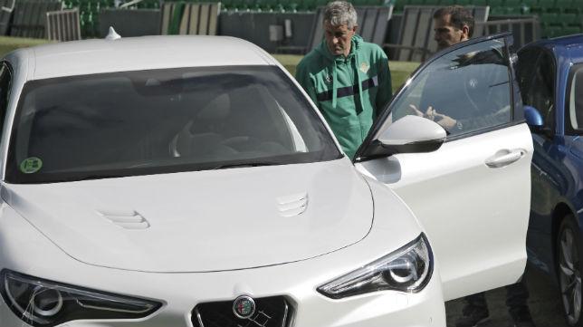 Setién y Marc Gené, en la entrega de vehículos de Alfa Romeo (Foto: Juan Flores)