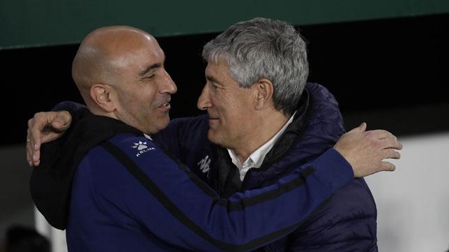 Quique Setién y Abelardo, en el Betis-Alavés (Raúl Doblado)