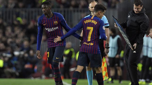 Dembelé salta al campo en lugar de Coutinho (Foto: AFP).