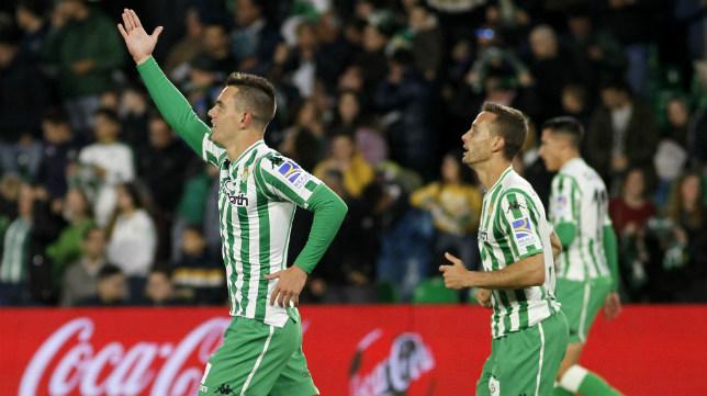Lo Celso celebra su gol en el Betis-Villarreal (Foto: Manuel Gómez)
