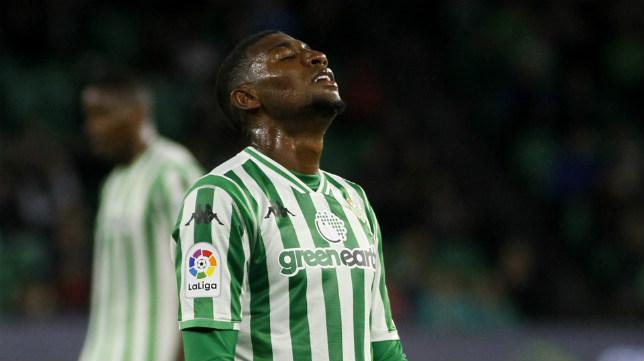 Emerson se lamenta en un lance del Betis-Villarreal (Foto: Manuel Gómez)