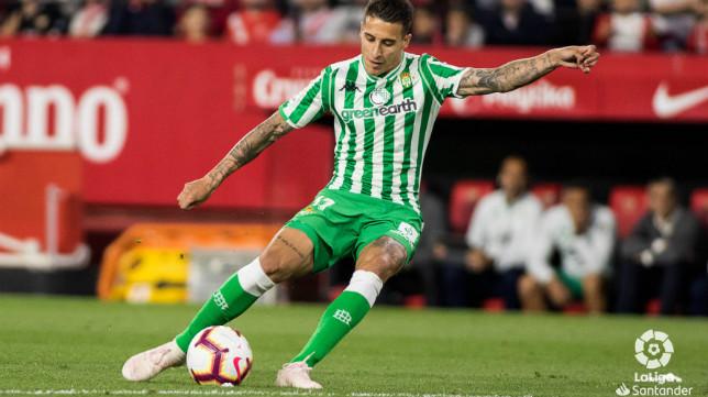 Tello en el Sevilla Betis