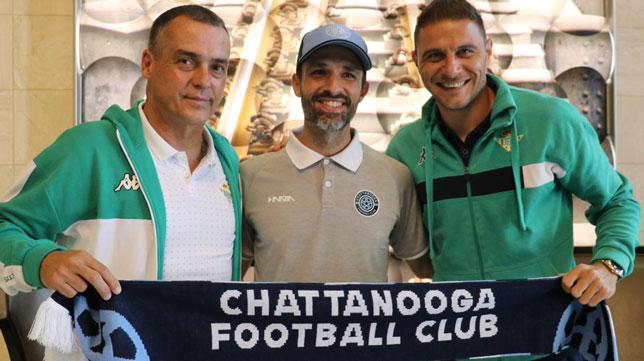 Alexis y Joaquín, antes del amistoso ante el Chattanooga FC (Foto: Real Betis)